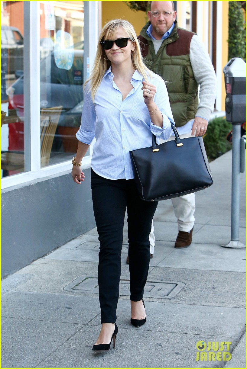 reese witherspoon post lunch shopping trip 08