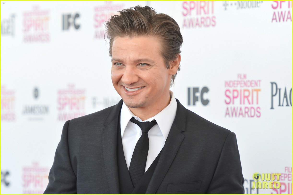 jeremy renner daniel radcliffe independent spirit awards 2013 04