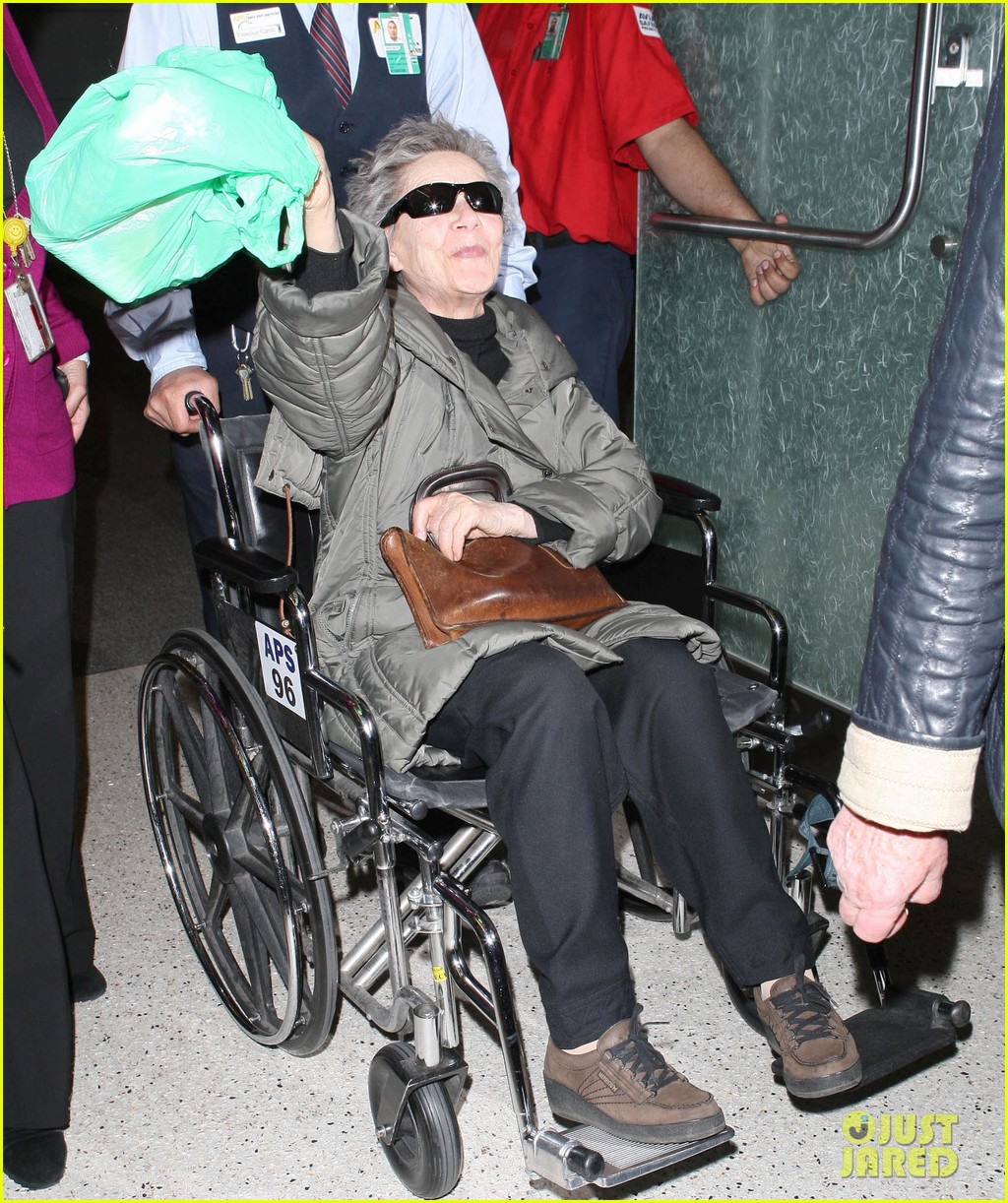 emmanuelle riva lands for oscars after cesar awards win 05