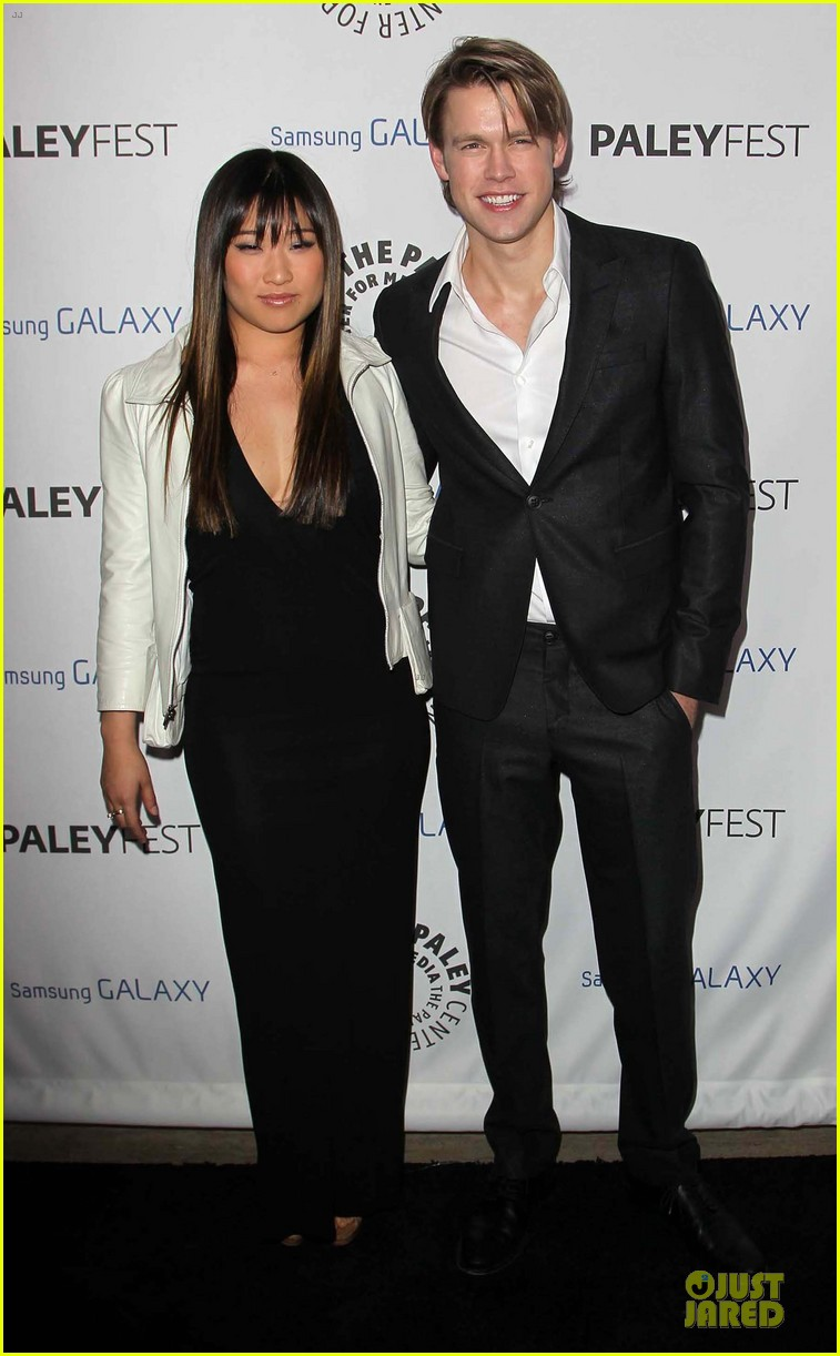 naya rivera jenna ushkowitz inaugural paleyfest icon award with glee 03