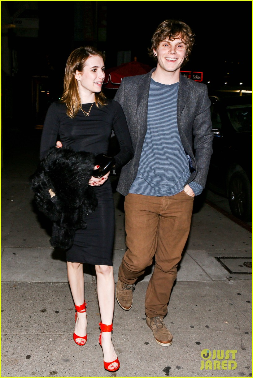 emma roberts evan peters valentines day date 03