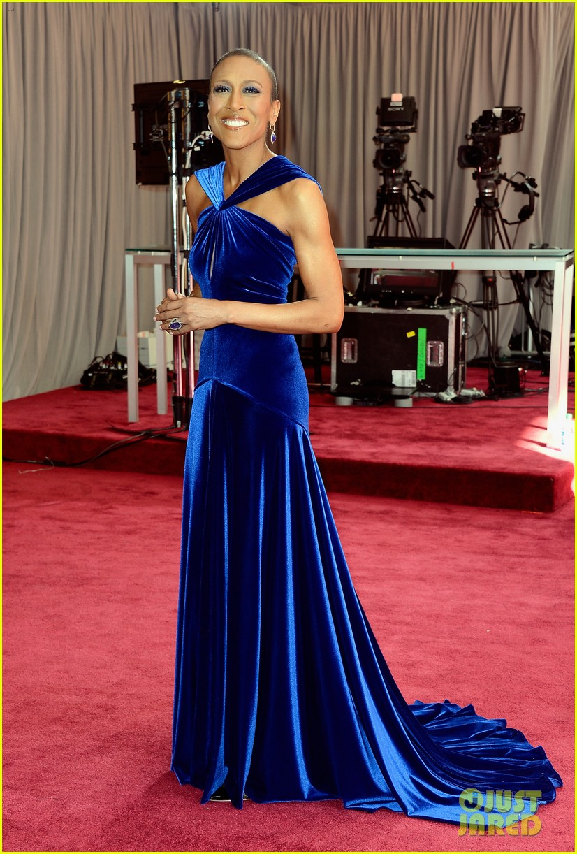robin roberts lara spencer oscars 2013 red carpet 01
