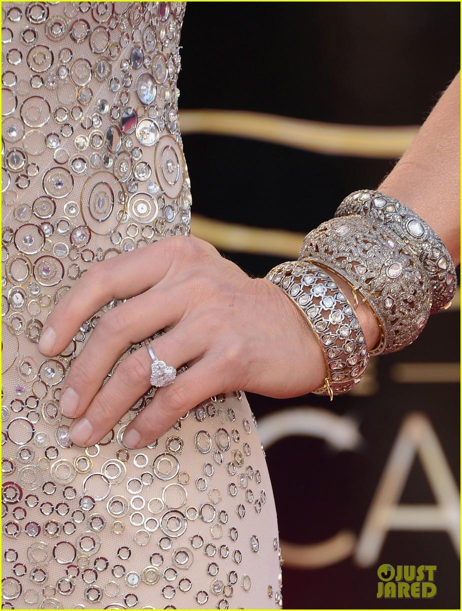 Robin Roberts & Lara Spencer - Oscars 2013 Red Carpet: Photo 2818940 ...