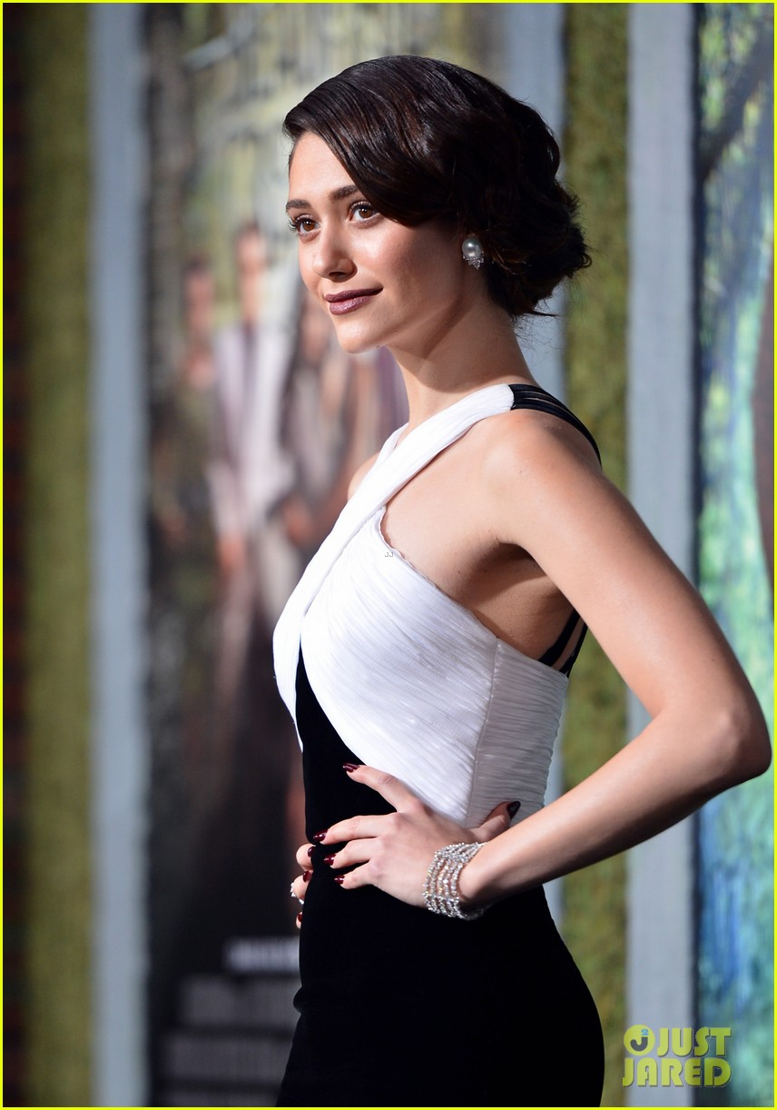 emmy rossum alice englert beautiful creatures premiere 14