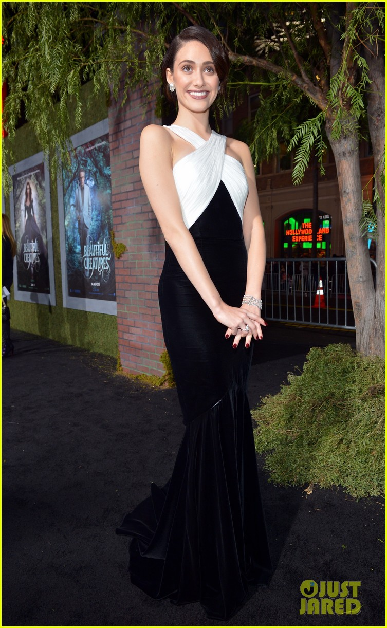 emmy rossum alice englert beautiful creatures premiere 18