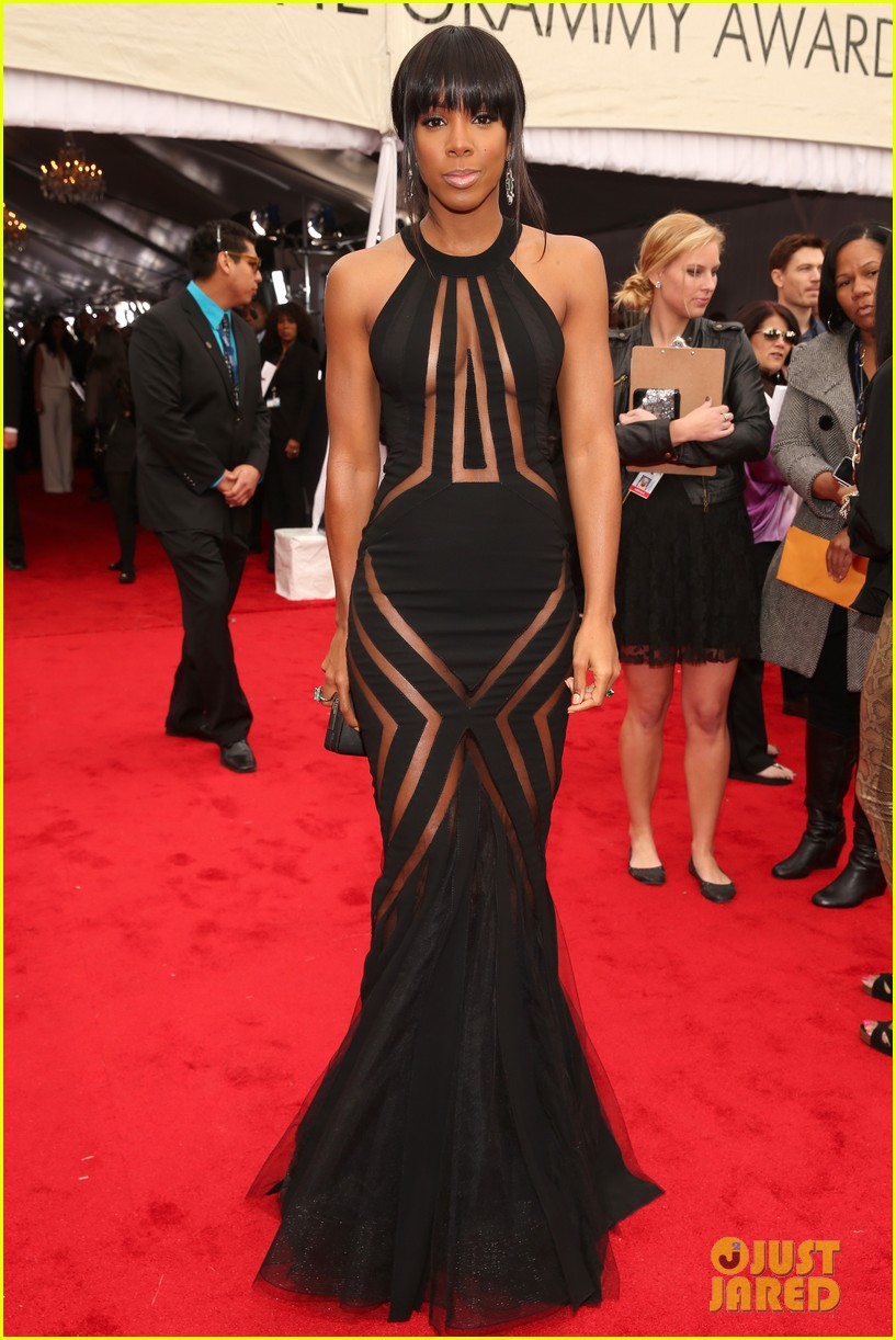 kelly rowland grammy awards 2013 red carpet 01