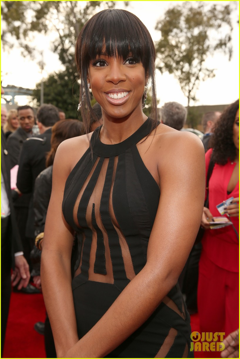 kelly rowland grammy awards 2013 red carpet 04