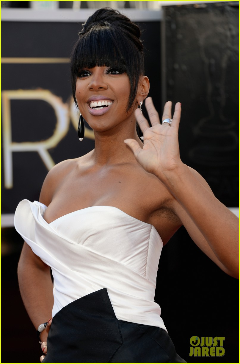 kelly rowland oscars 2013 red carpet 02
