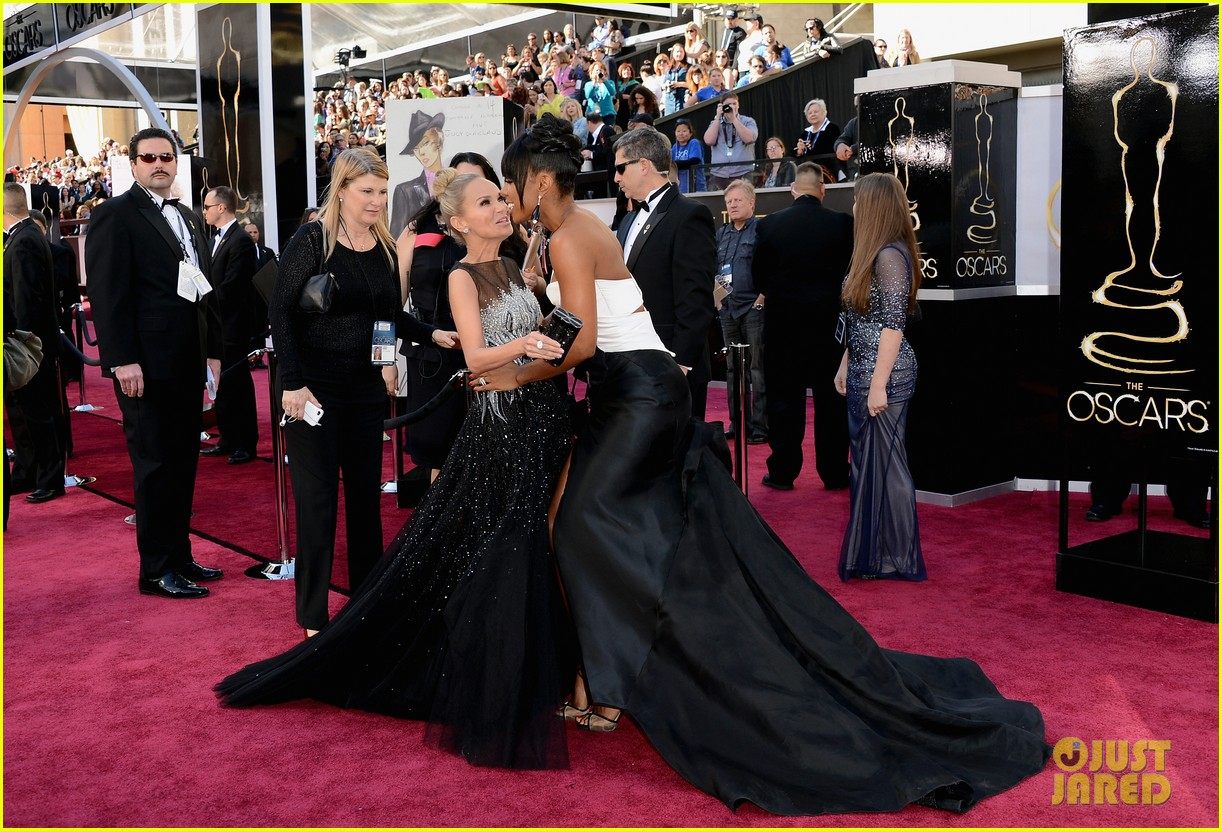 kelly rowland oscars 2013 red carpet 08