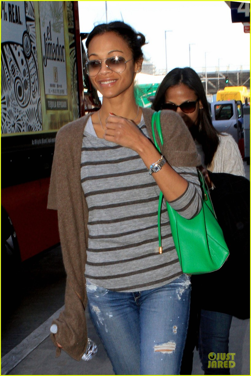zoe saldana film independent spirit awards presenter 04