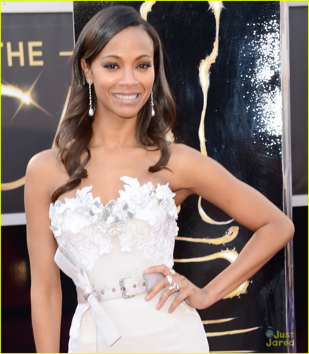 zoe saldana oscars 2013 red carpet 02