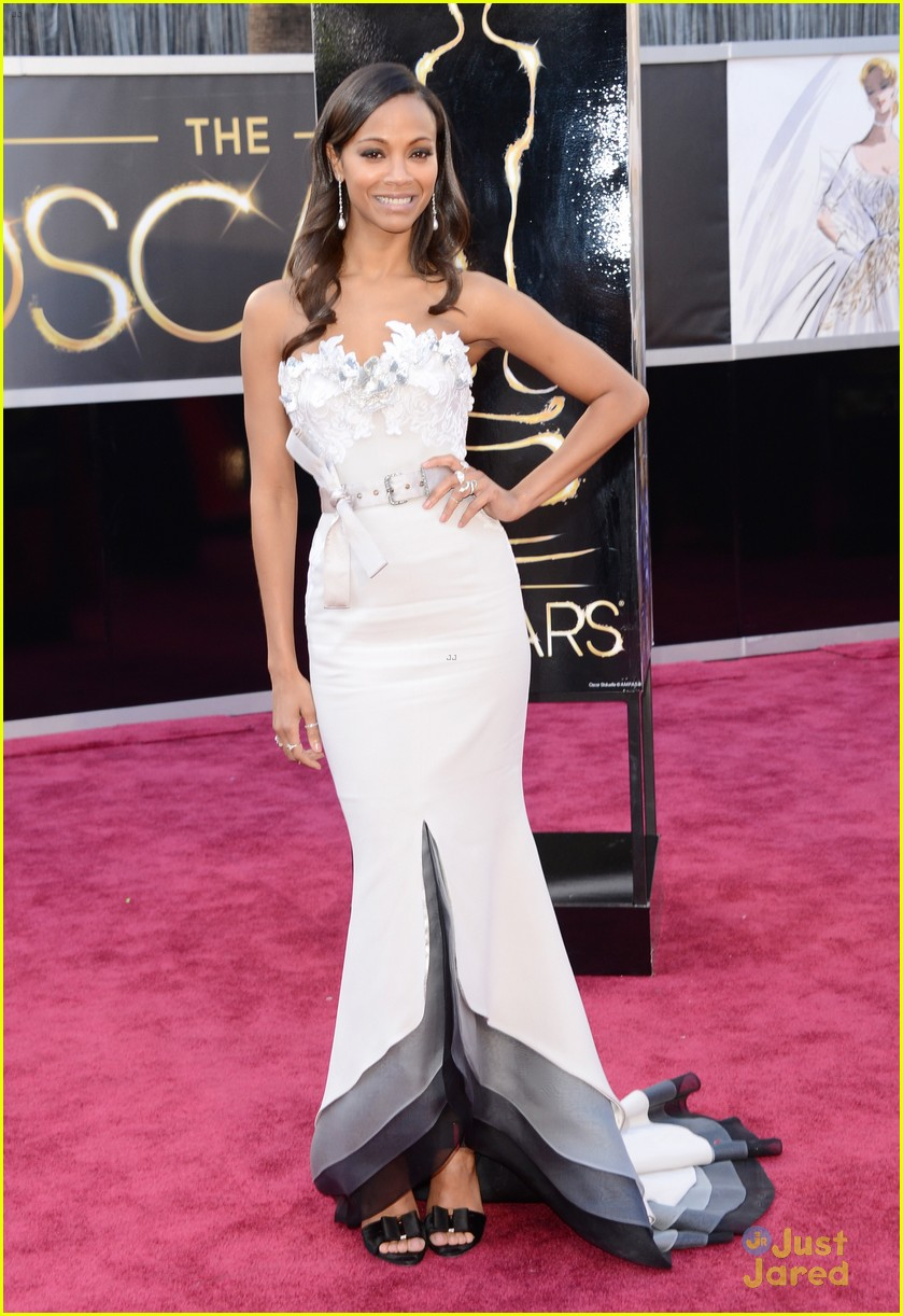 zoe saldana oscars 2013 red carpet 09