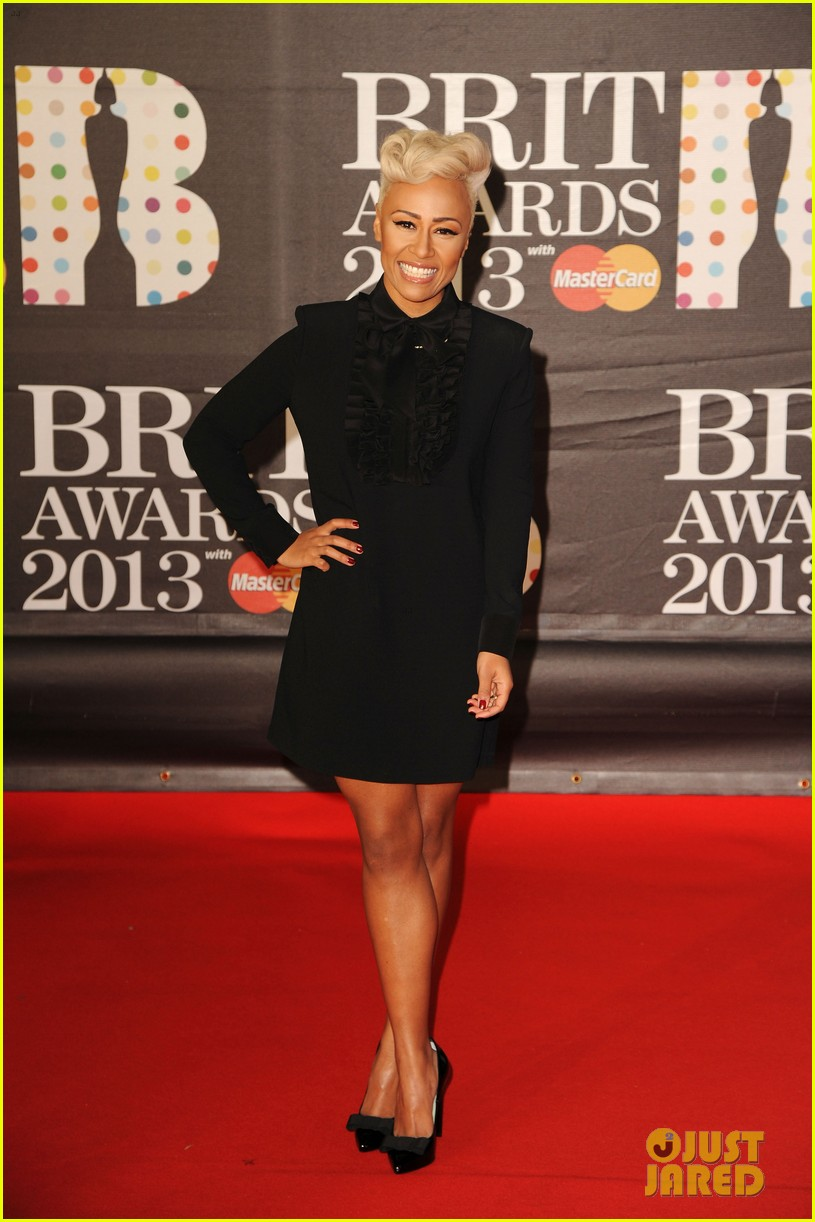 emeli sande brit awards 2013 performance red carpet 01