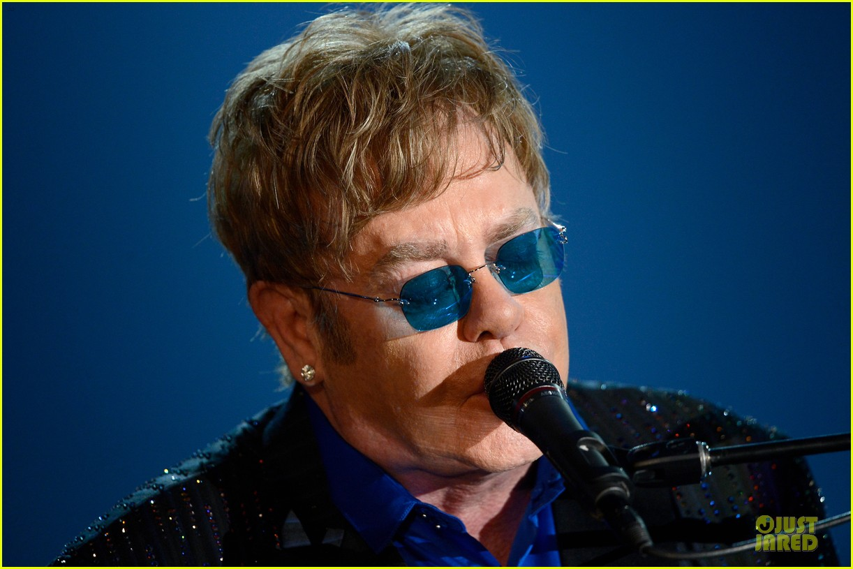ed sheeran elton john grammys 2013 performance watch now 092809415
