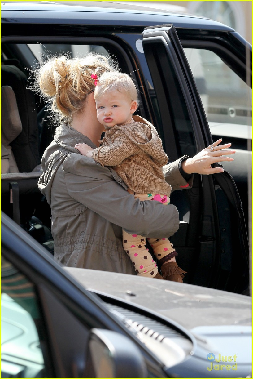 jessica simpson don cuco lunch with baby maxwell 042814660