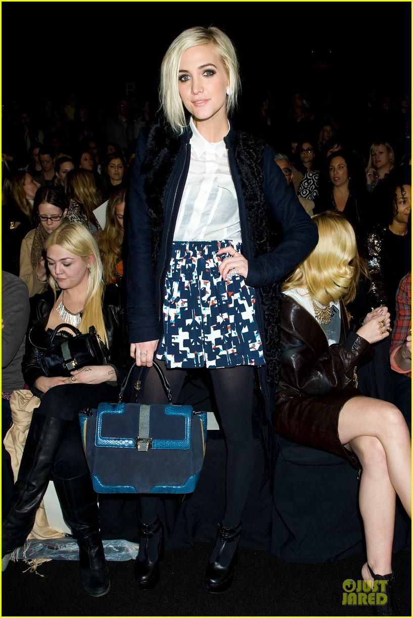 ashlee simpson jaime king rebecca minkoff fashion show 03