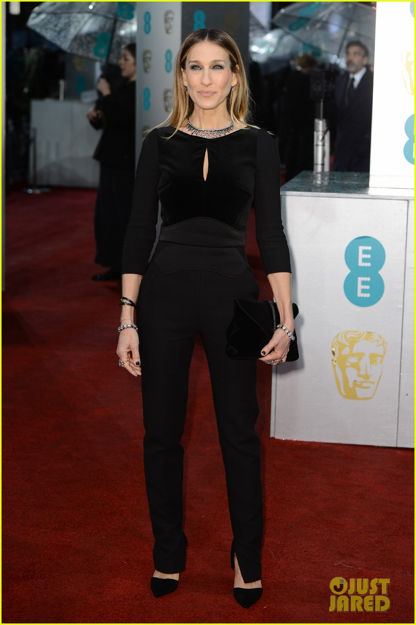 sarah jessica parker baftas 2013 red carpet 05