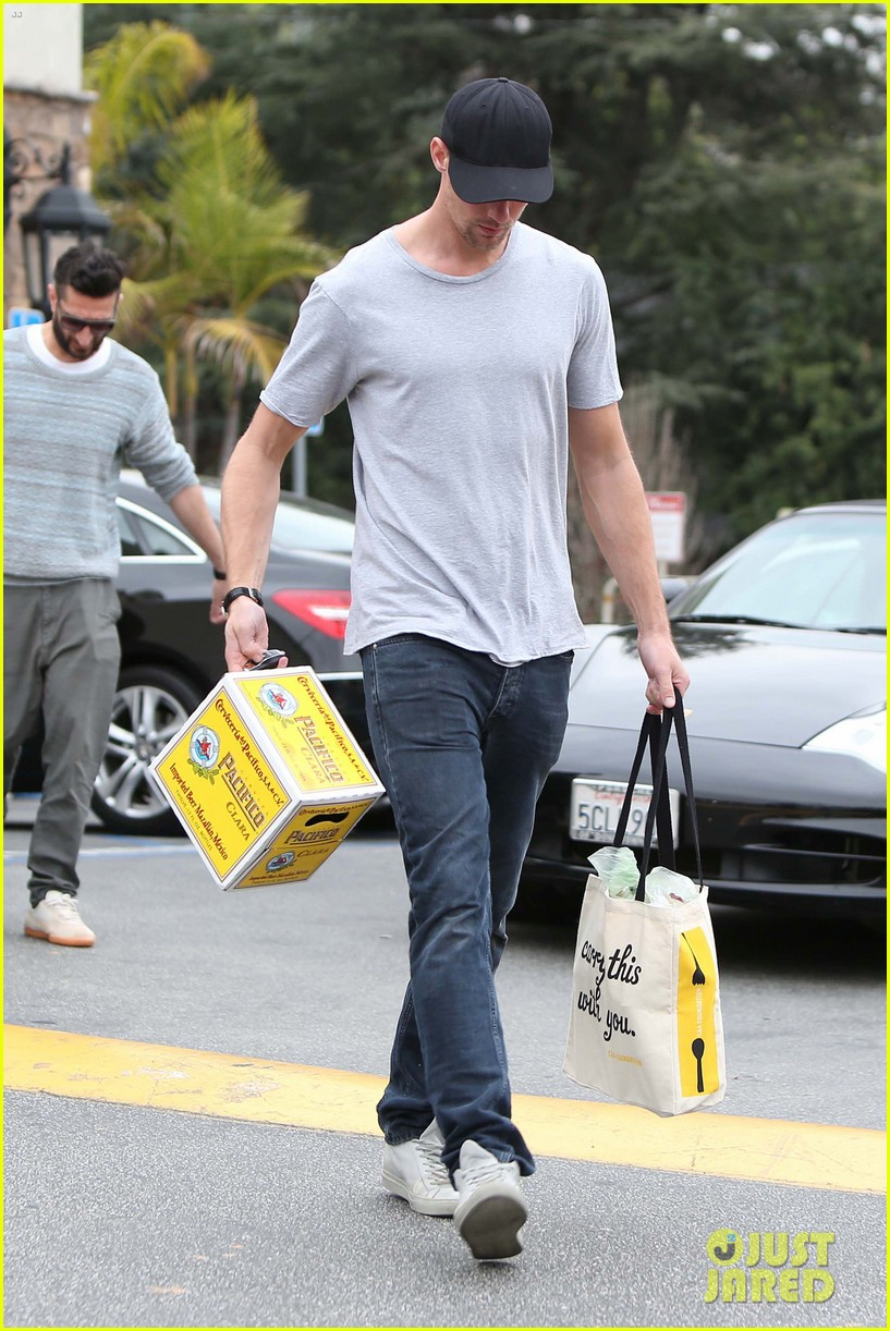 alexander skarsgard pre super bowl beer run 08
