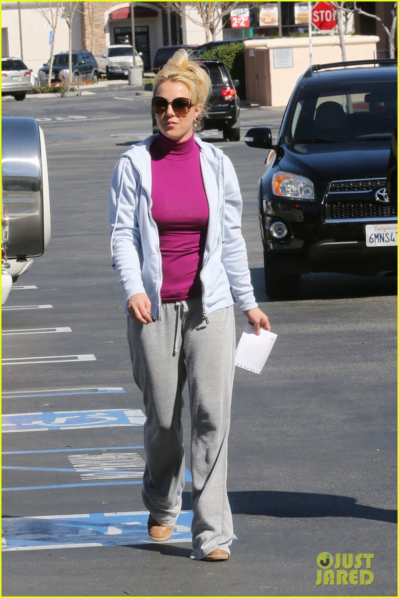 britney spears sunday albertsons stop 03