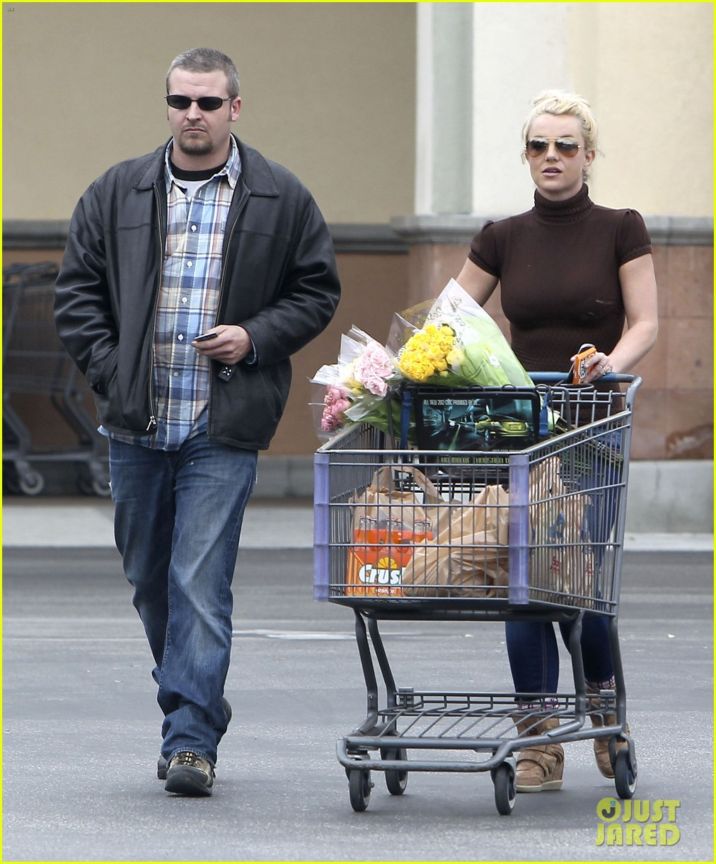 britney spears grocery shopping gal 01