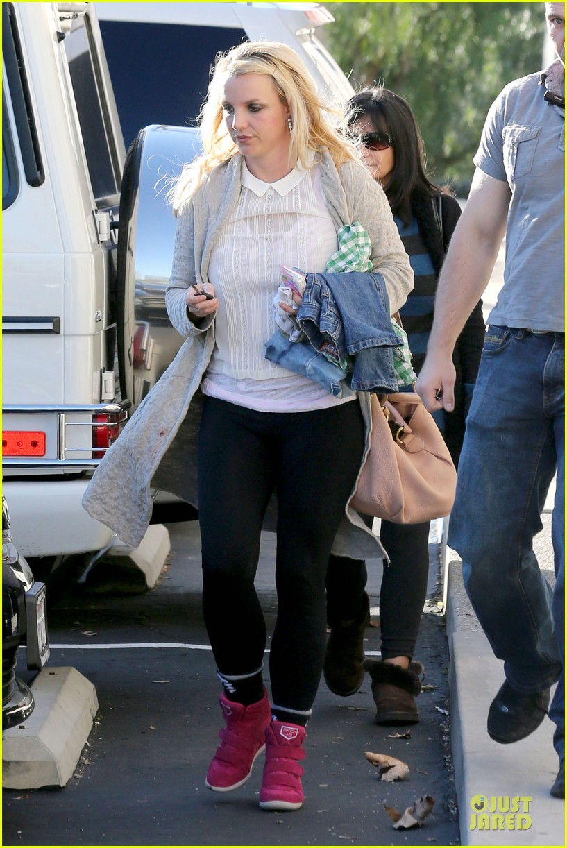 britney spears gymnastics class with the boys 21