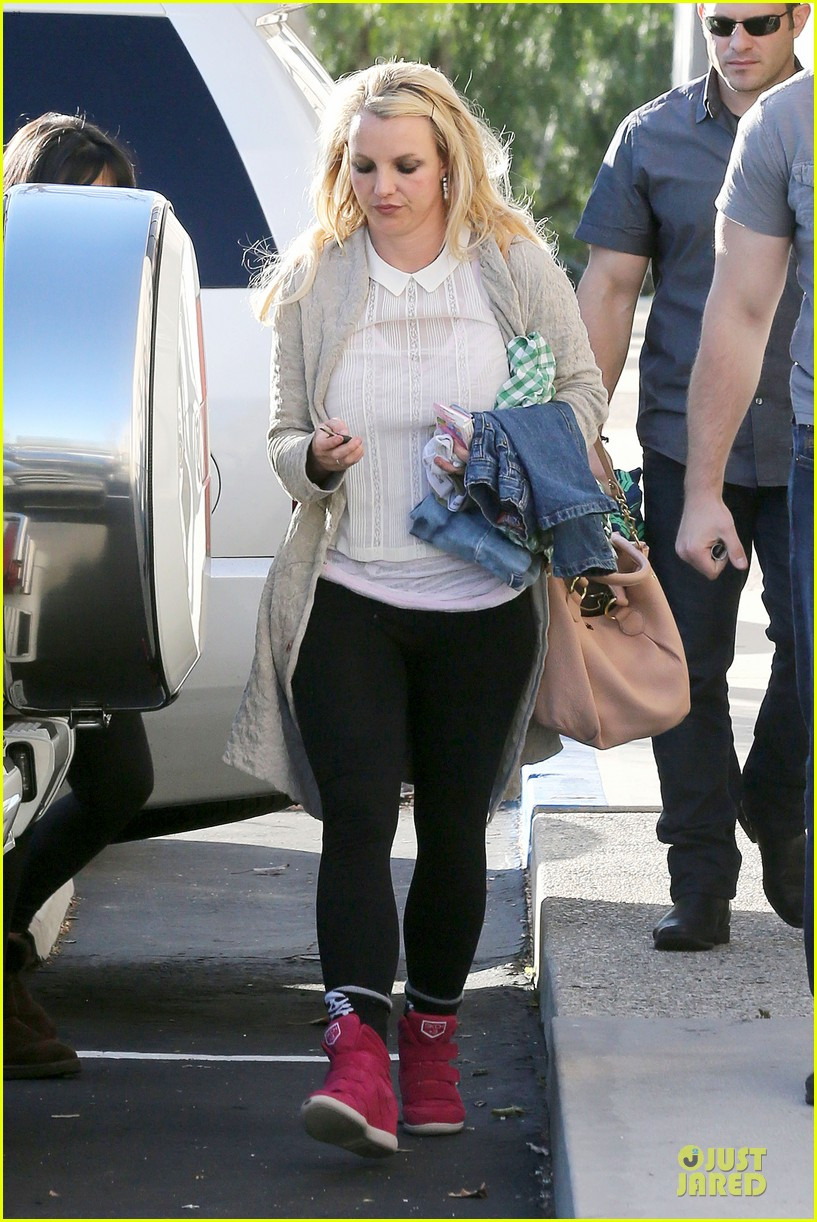 britney spears gymnastics class with the boys 23