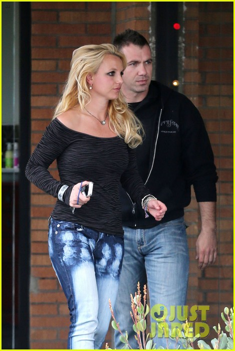britney spears solo spa day 23