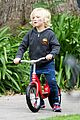 gwen stefani gavin rossdale scootering with the boys 04