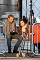 hailee steinfeld three days to kill set with kevin costner 01
