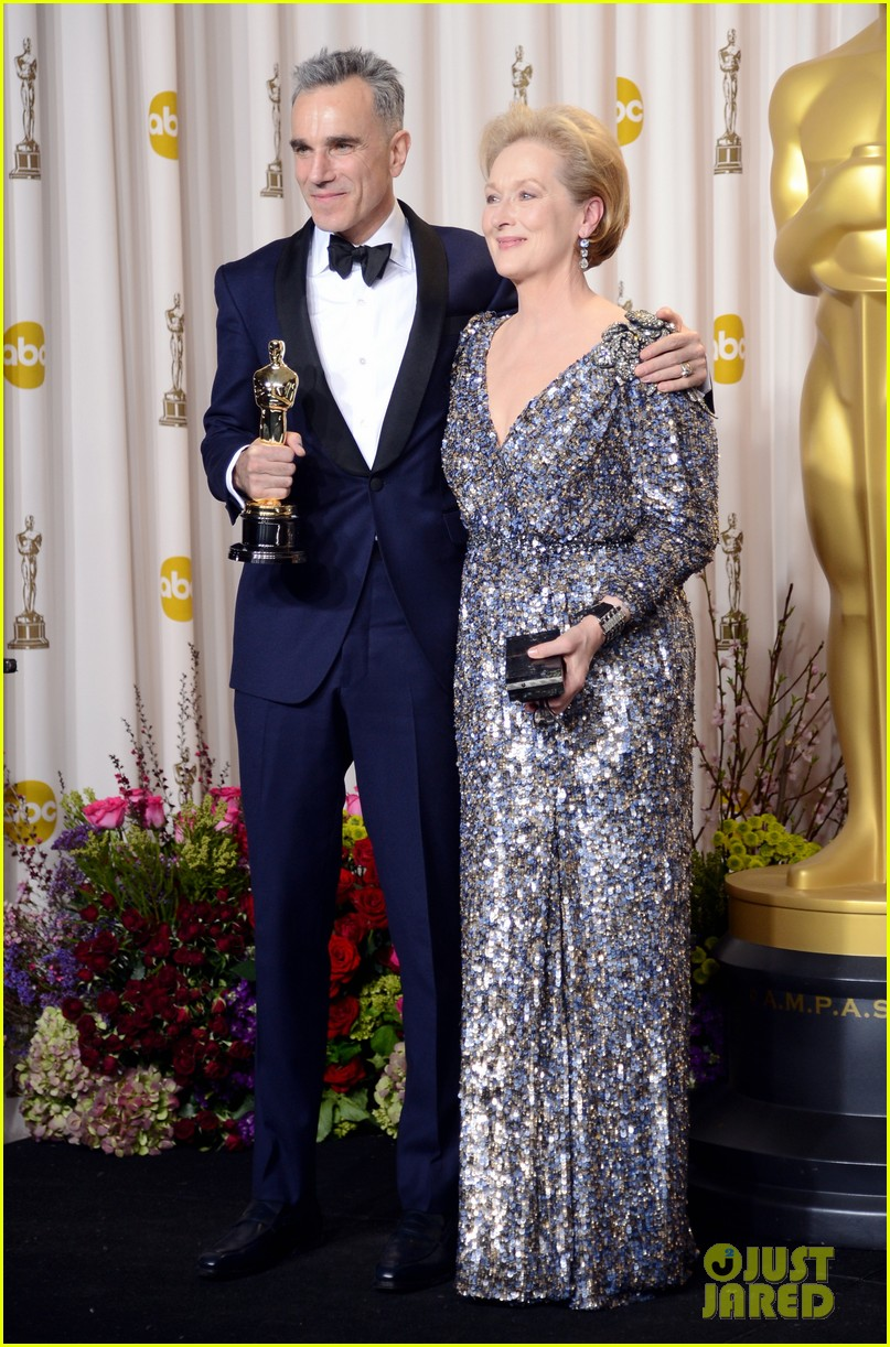 meryl streep oscars 2013 best actor presenter 03