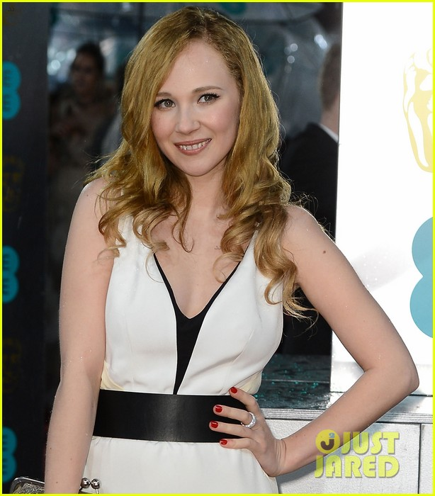 juno temple baftas 2013 red carpet 022808885