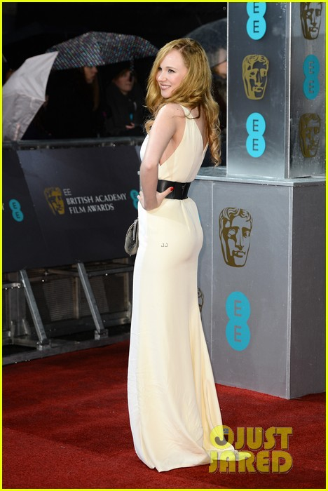 juno temple baftas 2013 red carpet 10