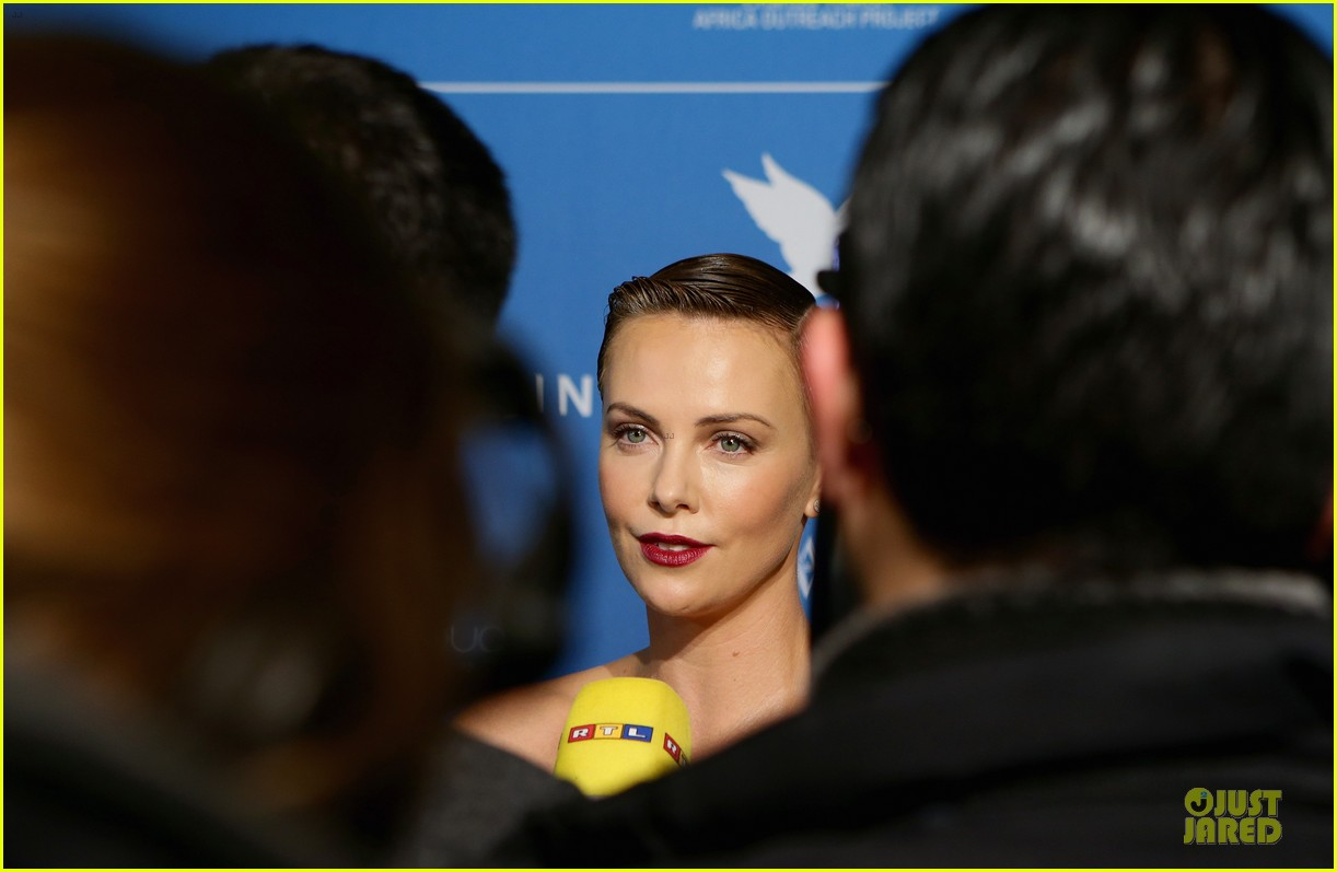 charlize theron cinema for peace gala 14