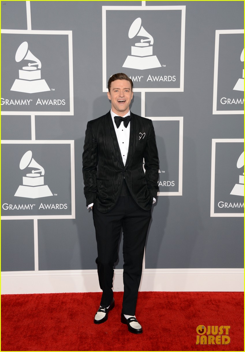 justin timberlake grammys 2013 red carpet 01