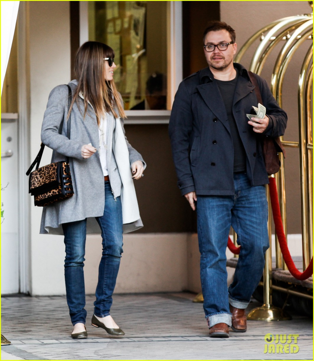 justin timberlake joins instagram jessica biel dines with a pal 07