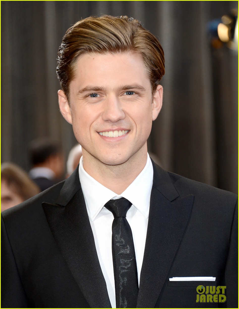 Aaron Tveit Aaron Tveit Oscars Red