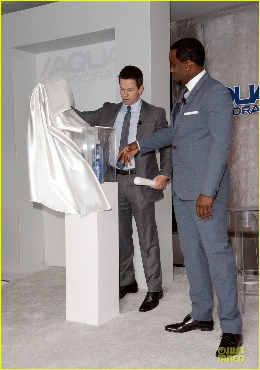 mark wahlberg sean combs aquahydrate press conference 03