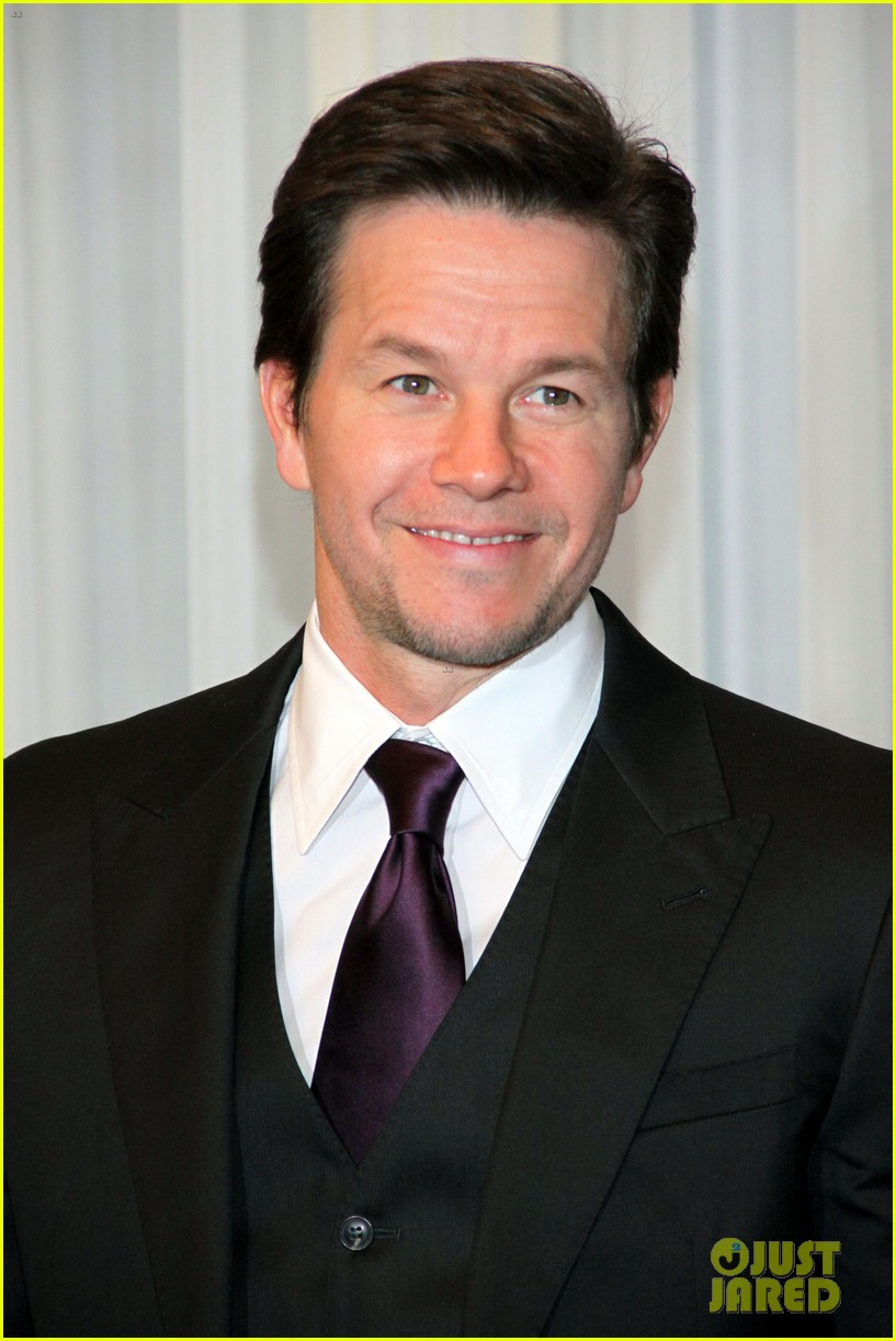 mark wahlberg broken city berlin photo call 01