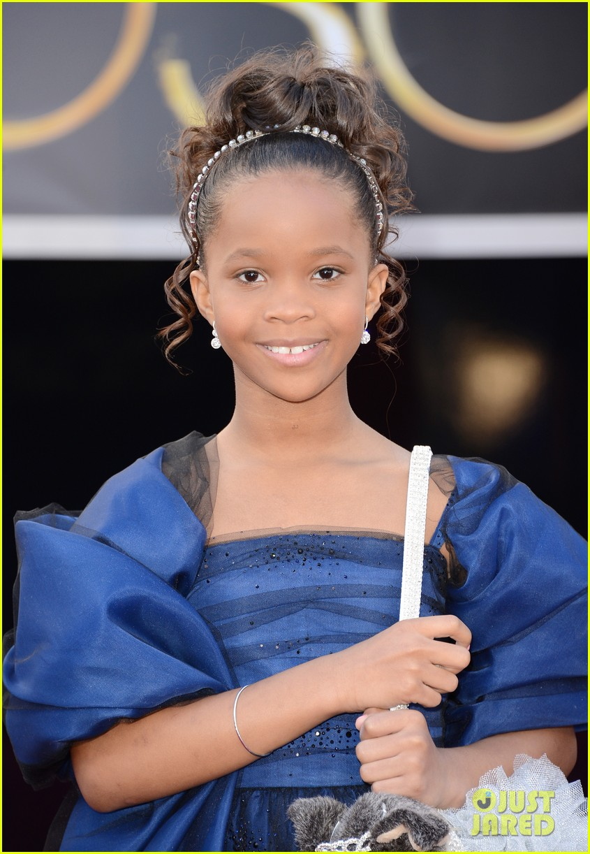quvenzhane wallis oscars 2013 red carpet02