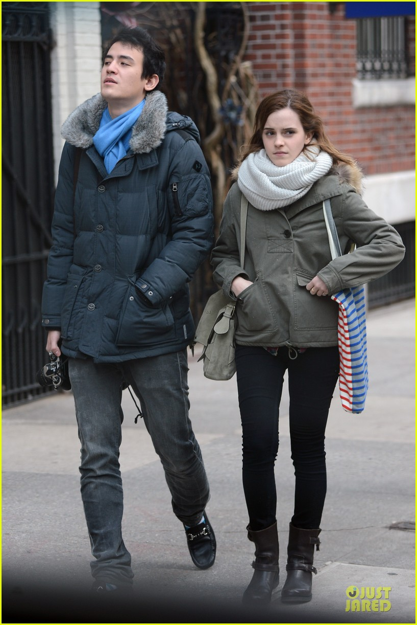 emma watson will adamowicz romantic stroll after valentines day 06
