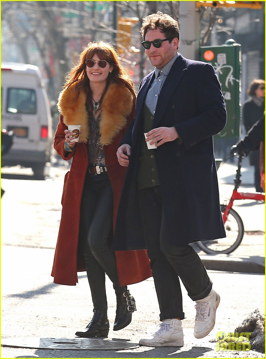 florence welch valentines day stroll with mystery man 052812957