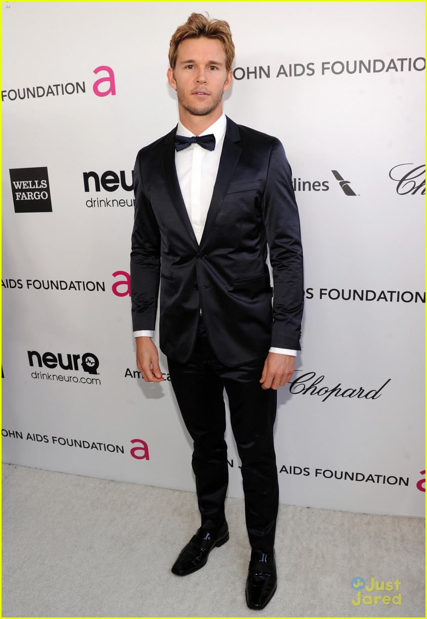 paul wesley ryan kwanten elton john oscars party 2013 03