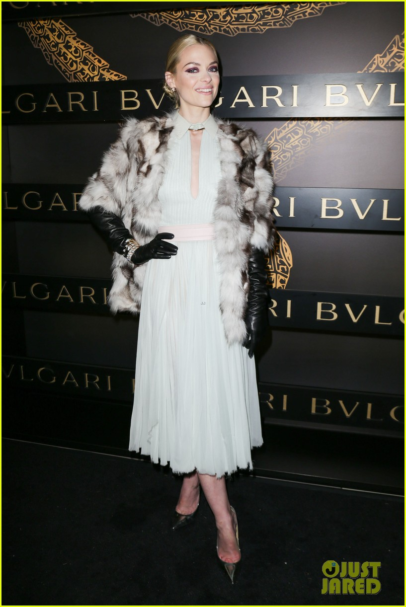 olivia wilde julianne moore bulgari serpenti event 30