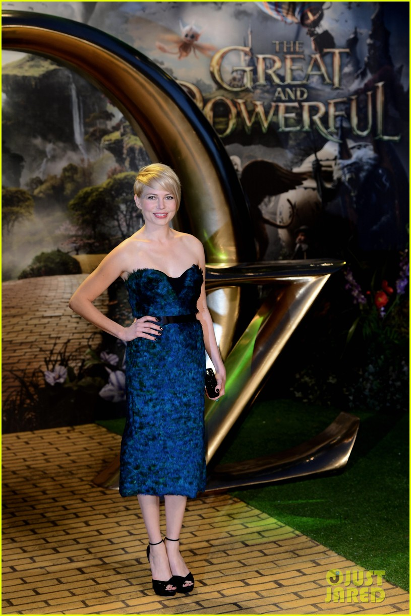 michelle williams rachel weisz oz great powerful uk premiere 072822385