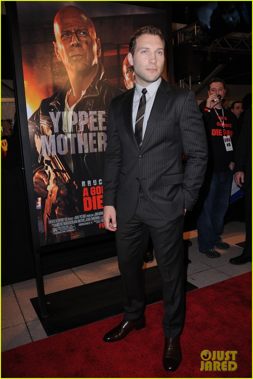 bruce willis jai courtney good way to die hard fan event 01