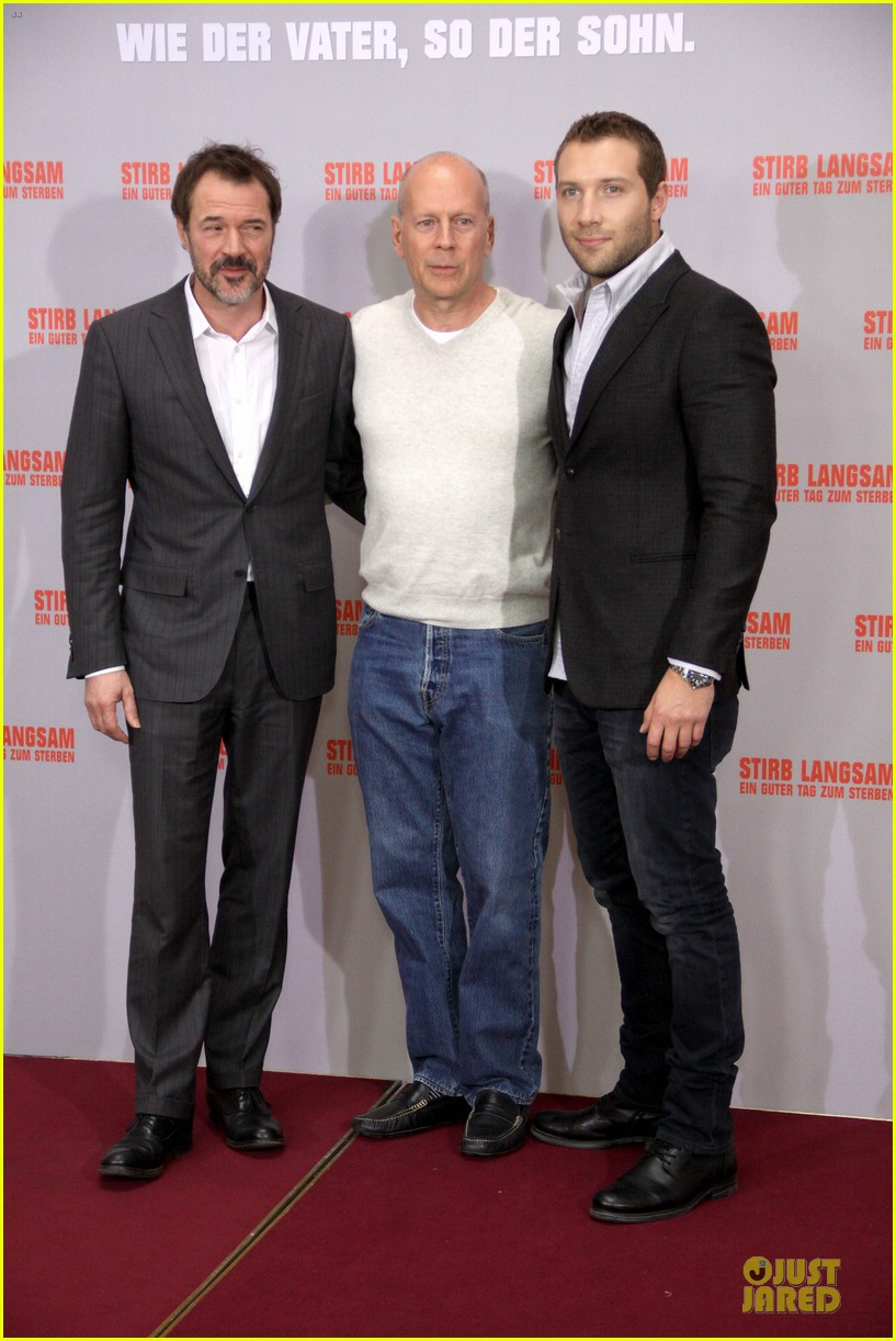 bruce willis jai courtney die hard photo call in germany 08