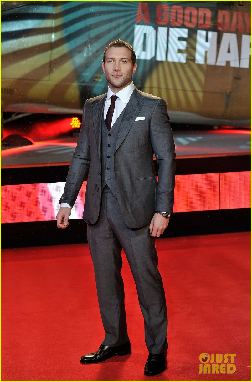 bruce willis jai courtney die hard london premiere 05