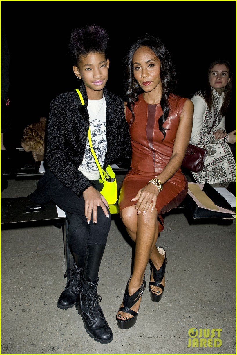 willow jada pinkett smith narciso rodriguez fashion show 012811367