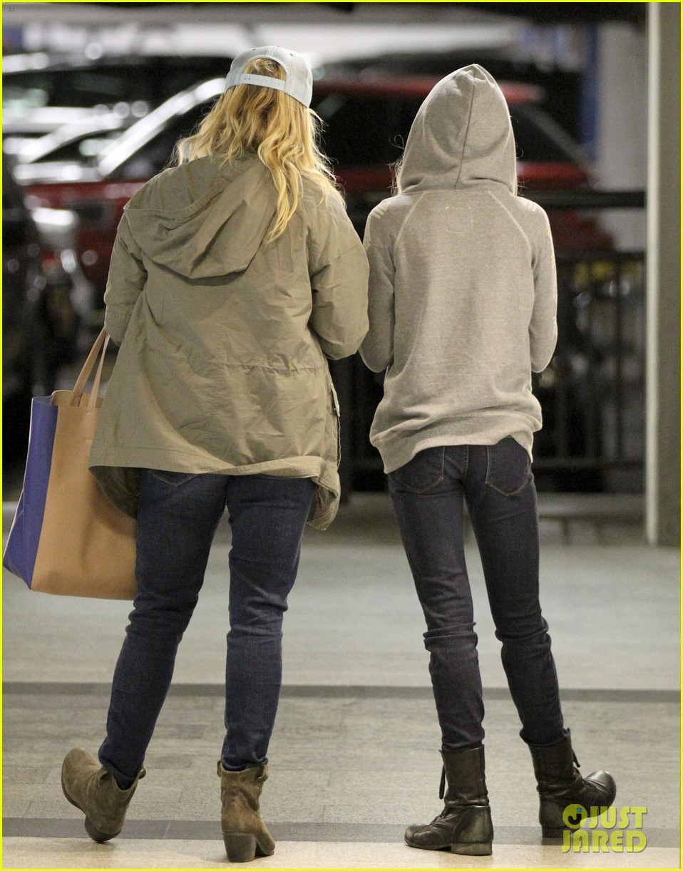reese witherspoon shopping with ava 05