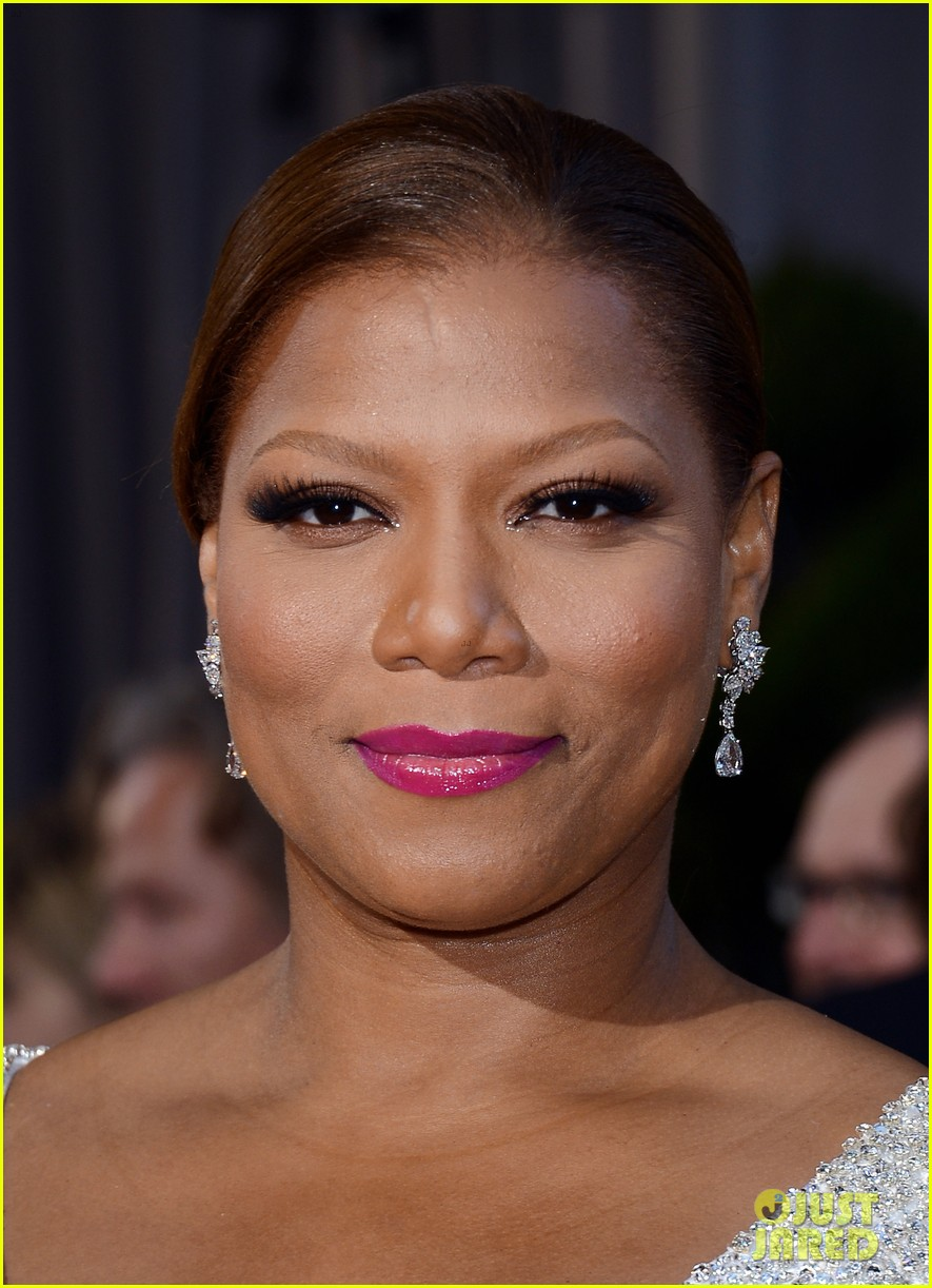 renee zellweger queen latifah oscars 2013 red carpet 04